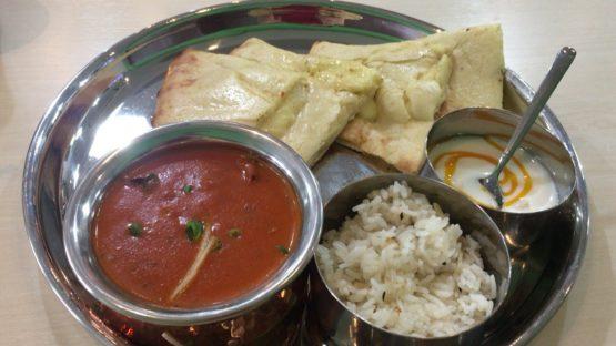 柏のネパール料理ランチカレーセット