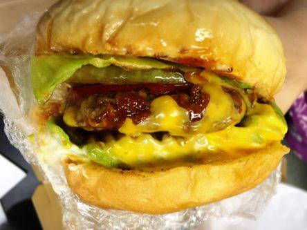 柏ダブルシックスのハンバーガー