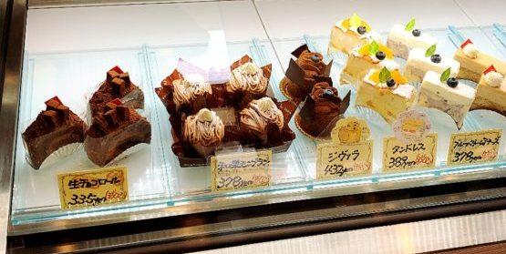チョコレートケーキも美味しそうなアミューズ