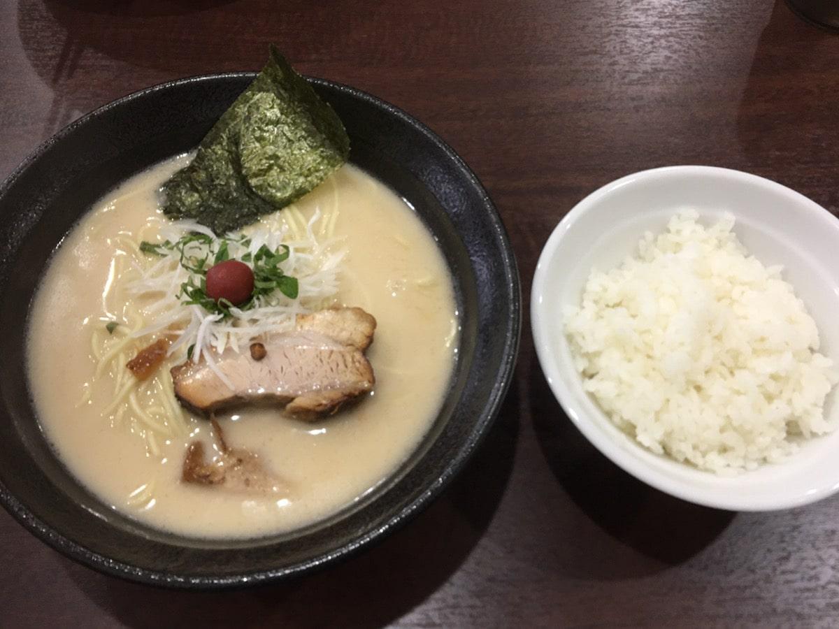 中華蕎麦-萌芽 (ほうが)_中華蕎麦_くりーみー豚骨_半ライス